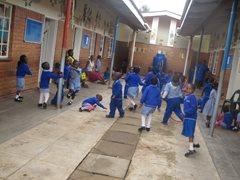Spielerisches Lernen im SOS-Kindergarten (Foto: SOS-Archiv)