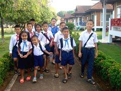 Kinder in unserer Obhut auf dem Weg zur Schule (Foto: SOS-Archiv).