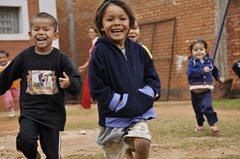 Spielende Kinder (Foto: F. Espinoza)