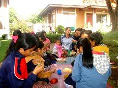 SOS-Mütter bieten liebevolle Unterstützung für Kinder, die die elterliche Fürsorge verloren haben  (Foto: SOS-Archiv).
