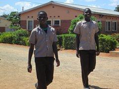 Auf dem Heimweg von der Schule in Livingstone  (Foto: SOS-Archiv)