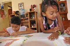 Kinder lernen zusammen (Foto:  P. Verbeek )