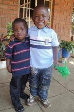 Brüder in unserer Obhut wachsen zusammen auf (Foto: SOS-Archiv).