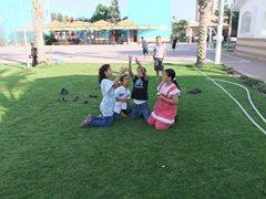 Brüder und Schwestern spielen im SOS-Kinderdorf Rafah (Foto:SOS-Archivl).
