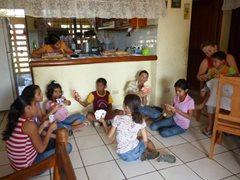 Eine SOS-Familie zu Hause (Foto: I. Vasquez)