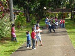 Die Kinder haben Spaß nach der Schule (Foto: S. Cesar)