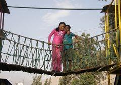 Auf der Brücke zu einer besseren Zukunft - Kinder im SOS-Kinderdorf Río Hondo (Foto: F. Espinoza)