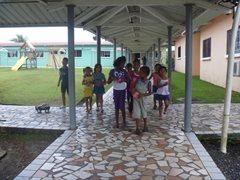 Kinder können in die Schule gehen und in einem liebevollen Zuhause aufwachsen (Foto: I. Molinar).
