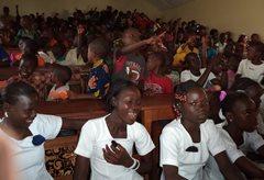 Bei einem Workshop über Kinderrechte (Foto: SOS-Archiv).