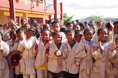 Kinder in der SOS-Schule in Vontovorana (Foto: SOS-Archiv).