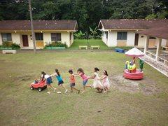 Kinder in unserer Obhut wachsen mit ihren Brüdern und Schwestern in einer sicheren Umgebung auf (Foto: S. Cesar).