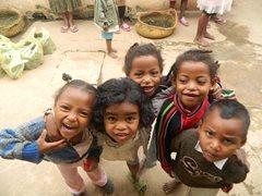 Kinder werden von dem SOS-Familienstärkungsprogramm unterstützt (Foto: SOS-Archiv).