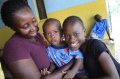 Kinder in unserer Obhut wachsen zusammen mit ihren Brüdern und Schwestern in einer SOS- Familie auf (Foto: C. Ladavicius).