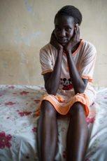 Ein junges Mädchen in unserer Obhut träumt vom Frieden in ihrem Land und der Chance Ärztin zu werden (Foto: C. Ashleigh).