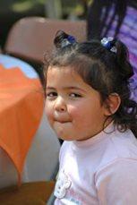 Kleines Mädchen in Madreselvas (Foto: A. Gabriel)
