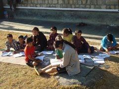Kinder lernen zusammen.  (Foto: SOS-Archiv)