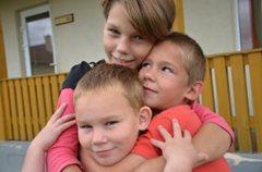 Kinder wachsen mit ihren Brüdern und Schwestern auf (Foto: M. Mägi).