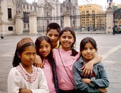 Schulausflug zum Regierungspalast in Peru (Foto: F. Espinoza)