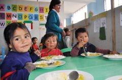 In Vorbereitung auf die Schule (Foto: F. Espinoza)