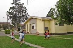 Spielende Kinder im SOS-Kinderdorf (Foto: SOS-Archiv)