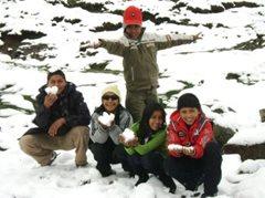 SOS-Geschwister bei einem Ausflug in die Berge (Foto: F. Espinoza)